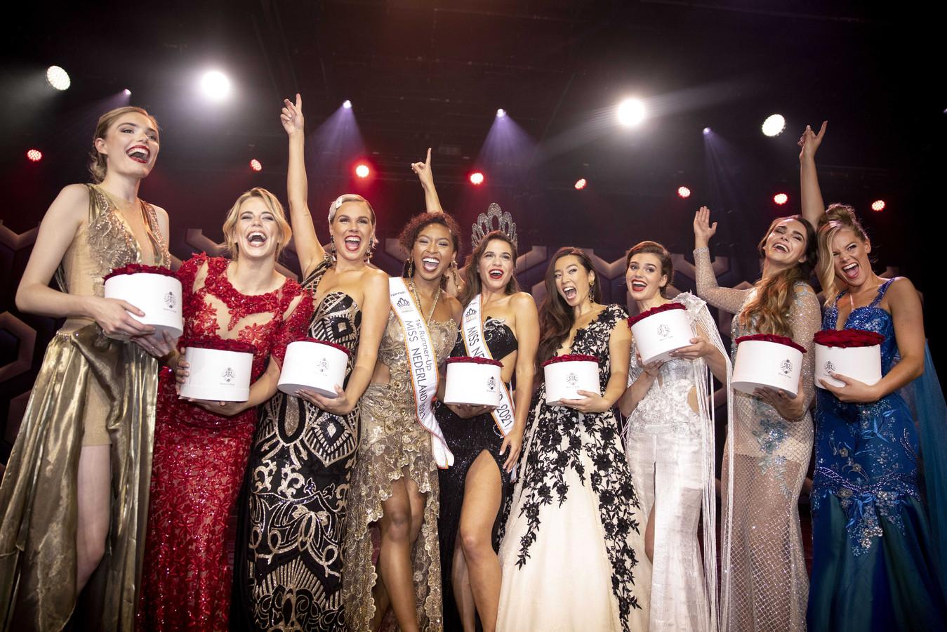De negen finalisten van de verkiezing.