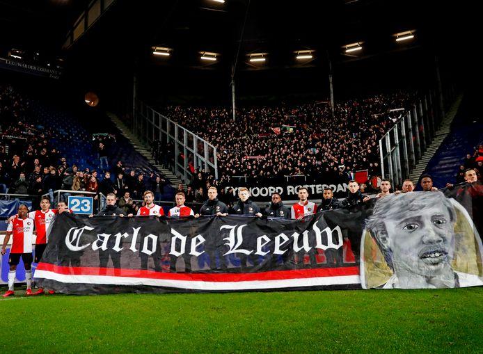 Feyenoord won op 13 februari vorig jaar met 0-1 bij Heerenveen in de kwartfinale van de beker. Na de wedstrijd werd nogmaals stilgestaan bij Carlo de Leeuw, die eerder die dag was overleden.