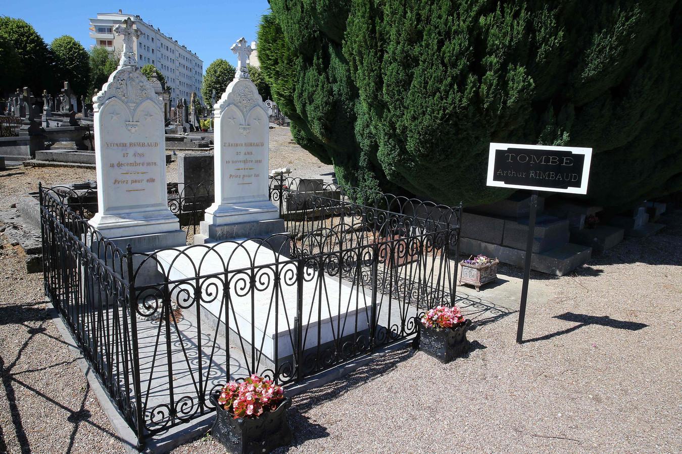 La tombe de Rimbaud au Cimetière de l'Ouest, Charleville-Mézières