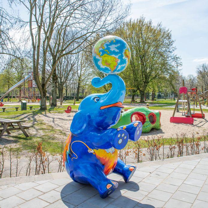 Roosendaal, Moreno Molenaar/Pix4Profs  Speeltuin Vrouwenhof krijgt een kunstwerk aangeboden.