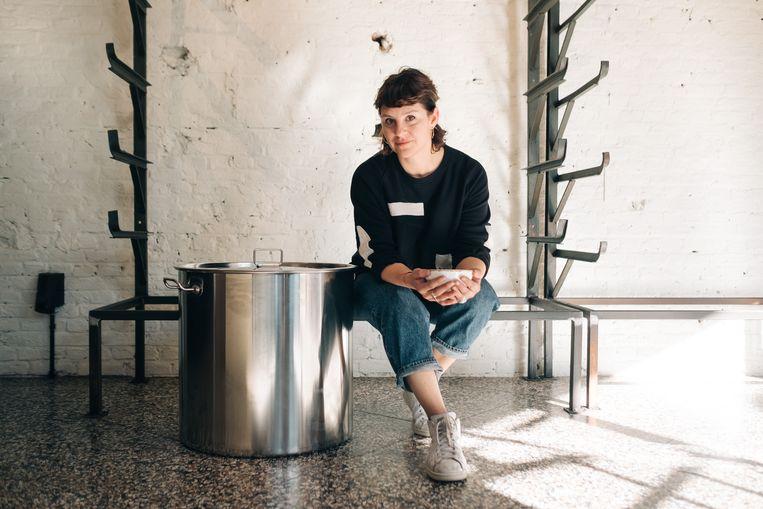 De Peruviaans-Antwerpse Karin Nuñez De Fleurquin opent in Antwerpen een bouillonbar. Beeld Wouter Van Vooren