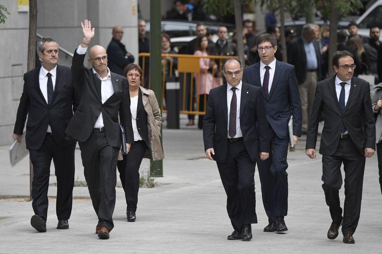 Joaquim Forn, Raul Romeva, Dolors Bassa, Jordi Turull, Carles Mundo en Josep Rull. Beeld AFP