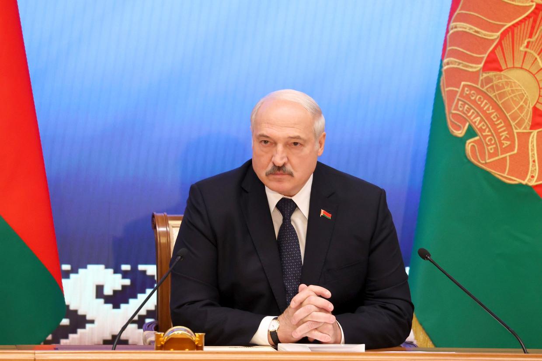 Na de frauduleus verlopen verkiezingen van augustus 2020 leek Aleksandr Loekasjenko's positie even te wankelen door massale straatprotesten en stakingen. Maar hij herstelde zijn macht met ijzeren vuist.  Beeld AP
