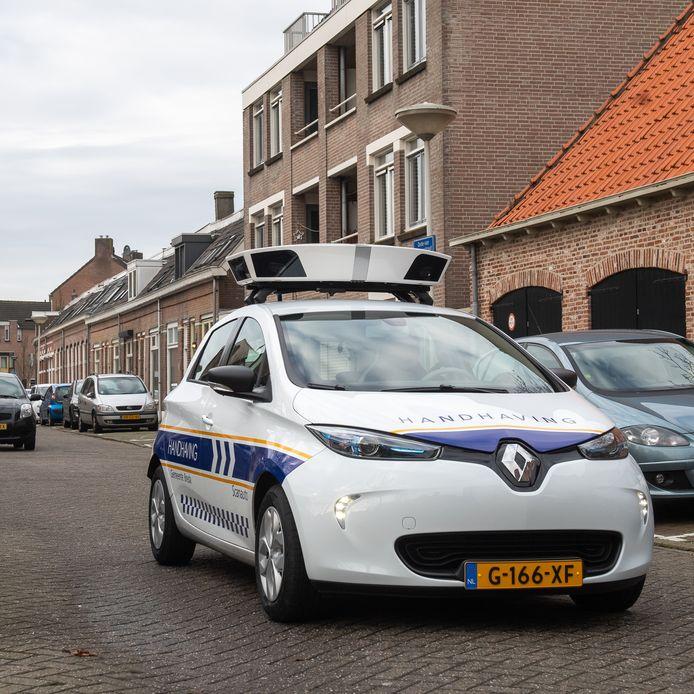 Niet alleen het aantal West-Brabanders dat bezwaar maakt tegen de woz-waarde van zijn huis zorgt voor drukte, ook een verdubbeling van het aantal bezwaren tegen boetes van de scanauto in Breda drukt zwaar op de dienst.