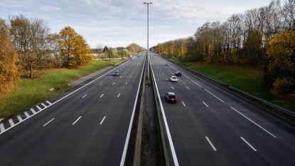 Nauwelijks files op snelwegen na drastische coronamaatregelen