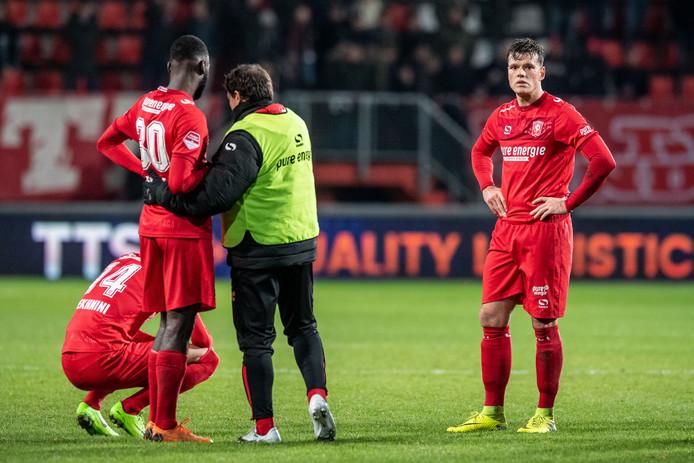 De frustratie bij FC Twente na afloop in beeld.