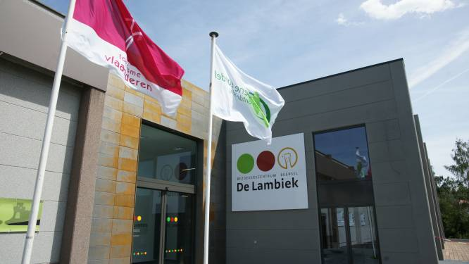 PoëzieParKoer 2021 loodst je langs 10 charmante plekjes in Alsemberg