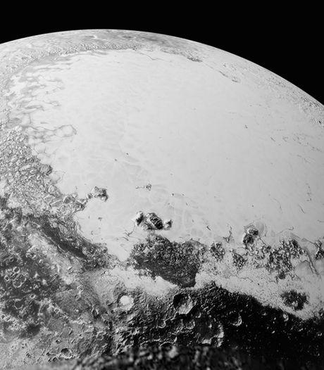 """Les nouveaux clichés de Pluton font """"halluciner"""" la Nasa"""