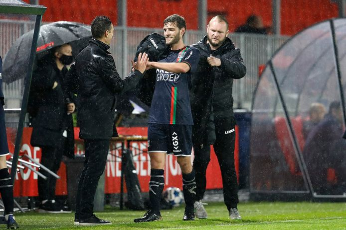 Javier Vet meldt zich in Almere na zijn wissel bij NEC-trainer Rogier Meijer: de klus is geklaard.