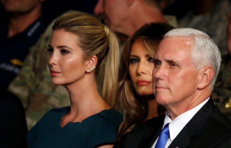 Ivanka Trump, Melanie Trump en vicepresident Mike Pence. Beeld reuters