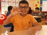 Leerlingen Utrechtse basisschool leren gebarentaal