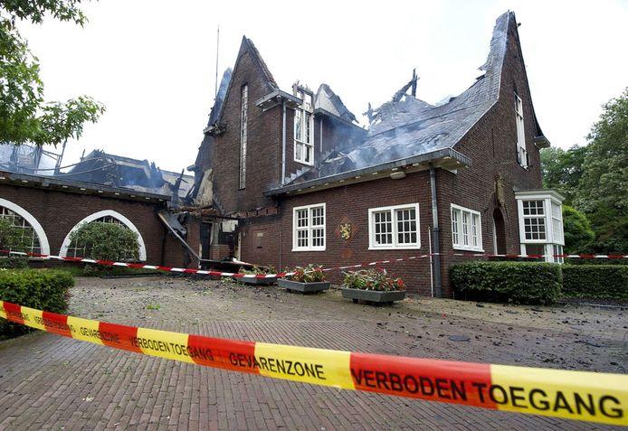Het gemeentehuis van Waalre kan als verloren beschouwd worden. foto ANP