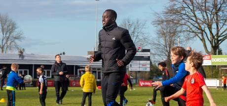 PSV'er en Oranjeklant Jordan Teze even terug op het oude nest bij Alliance: 'Hier is het voor mij begonnen'