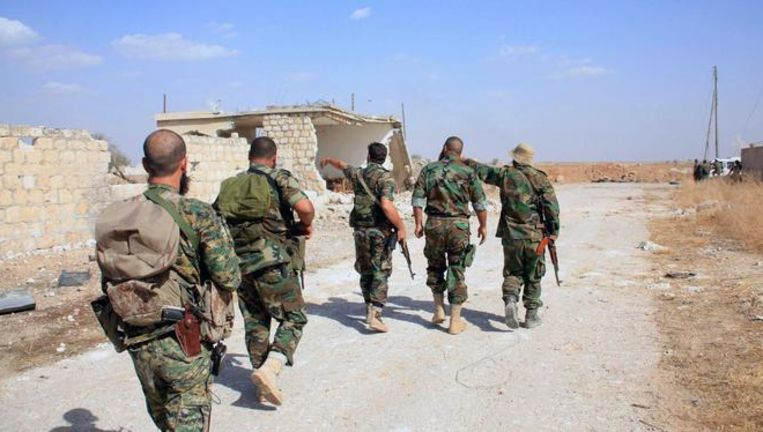 Syrische soldaten in de provincie Aleppo. Beeld AFP