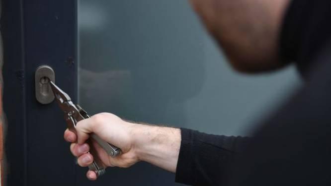 Inbrekers stelen juwelen in appartement in Gavere