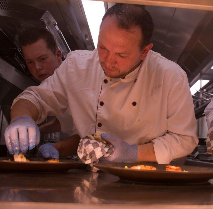 Uke Thaqi werkte jarenlang als grillchef voor rooftoprestaurant Njord in Zeebrugge.