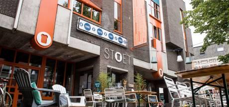 Inbreker slaat in 4 minuten zijn slag in horecazaak Stoet in Enschedese binnenstad: 'Dit is enorm balen'