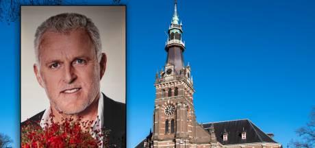 Dominee legt condoleanceregister voor Peter R. de Vries in kerk Apeldoorn: 'Hij streed voor gerechtigheid'