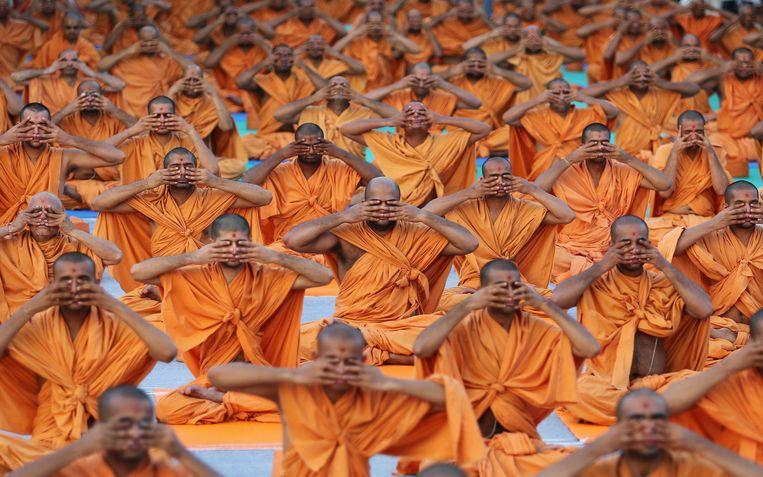 Internationale Yoga Dag in Kevadia. Beeld REUTERS