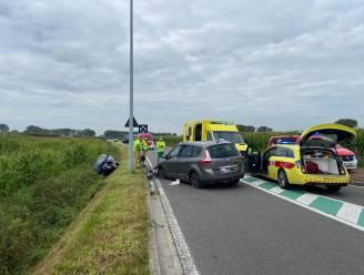 Twee bestuurders gewond bij botsing langs Koolkerkesteenweg