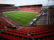 Willy Borsus signe le permis de rénovation et d'extension du stade de Sclessin
