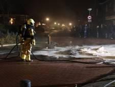 Opnieuw stapel met autobanden in brand in Veen