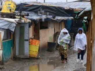 Hulporganisaties 'Jungle' in Calais tellen 3.455 bewoners die worden uitgezet, overheid houdt het op 1.000