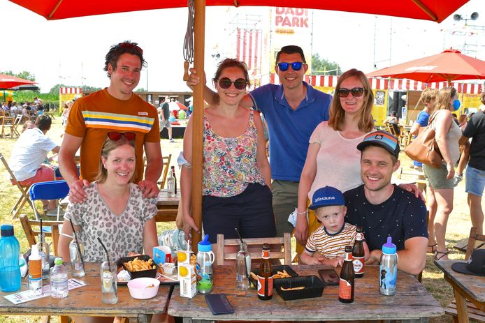 Het Dadipark pop-up speeldorp was een schot in de roos. Deze koppels kwamen uit Lauwe, Wevelgem en Gullegem