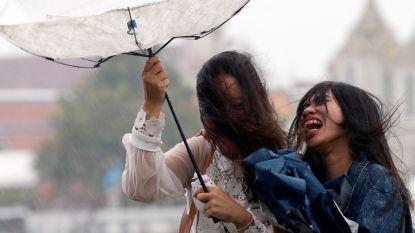 Artificiële regenbui moet in Bangkok komaf maken met zware vervuiling