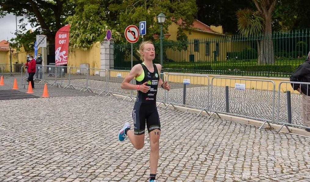 Na meer dan een jaar zonder competitie presteerde Belgisch duatlonkampioene Lotte Claes sterk in de Powerman van Portugal met een tweede plaats als gevolg. Naast het duatlon legt ze zich vanaf dit seizoen ook toe op het wielrennen.