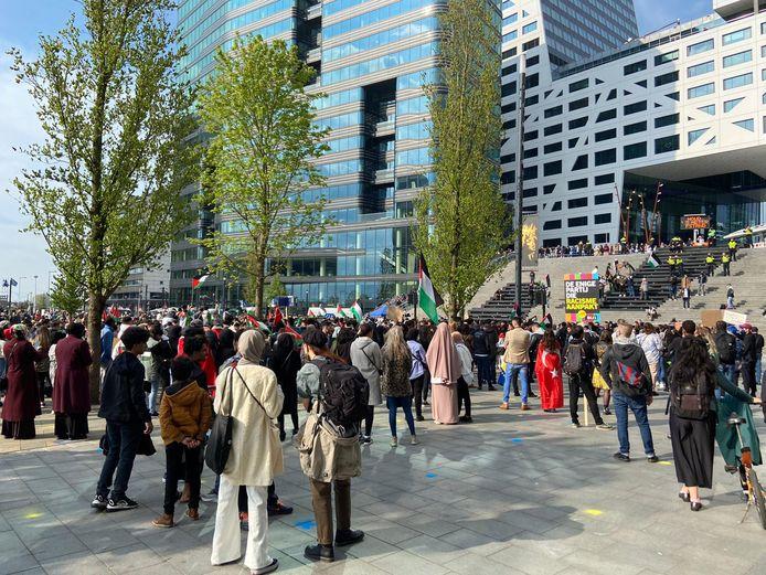 De demonstratie op het Jaarbeursplein begon omstreeks 17:00 uur