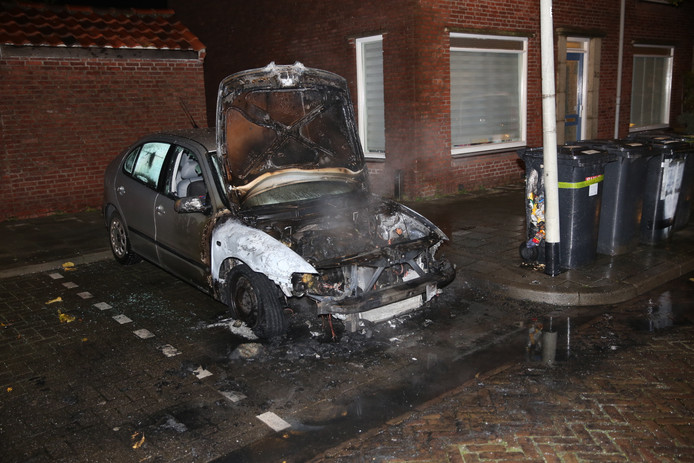 Autobrand in Bergen op Zoom.