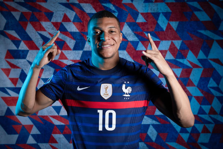 'Het succesverhaal van Mbappé, die in 2013 nog bij AS Bondy voetbalde, vormt een inspiratie voor alle kinderen. Zijn invloed is enorm.' Beeld UEFA via Getty Images