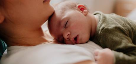Je huilende baby helpen met slapen? De babyslaapcoach geeft tips