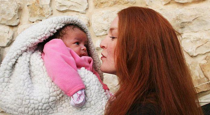 'Game of Thrones'-actrice Josephine Gillan en haar dochter.
