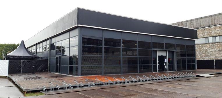 De nieuwe testlocatie op het parkeerterrein van het Buikslotermeerplein. Beeld GGD Amsterdam