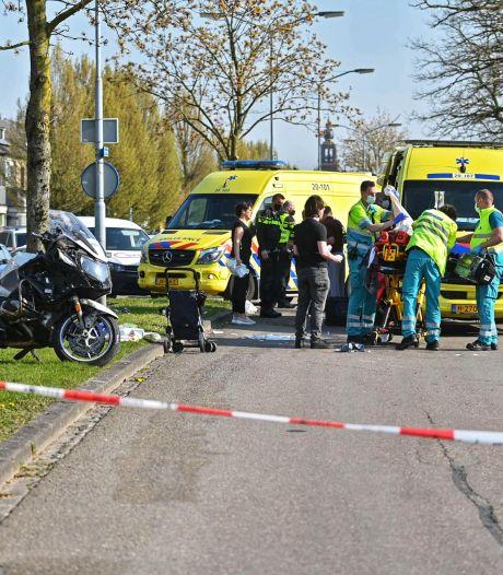 Motoragent raakt voetgangster tijdens achtervolging: beiden zwaargewond