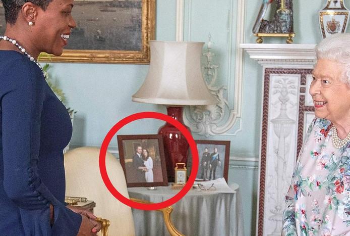 Het portret van William en Kate is wel blijven staan.