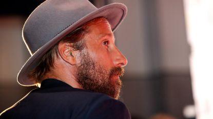 """Matthias Schoenaerts speelt gevangene in 'The Mustang': """"Ik heb hierdoor respect gekregen voor Kim Kardashian"""""""