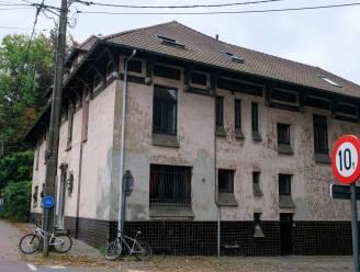 """19de-eeuwse Villa Limpens wordt voorlopig beschermd: """"Zeldzame groene long langs Brusselsesteenweg"""""""