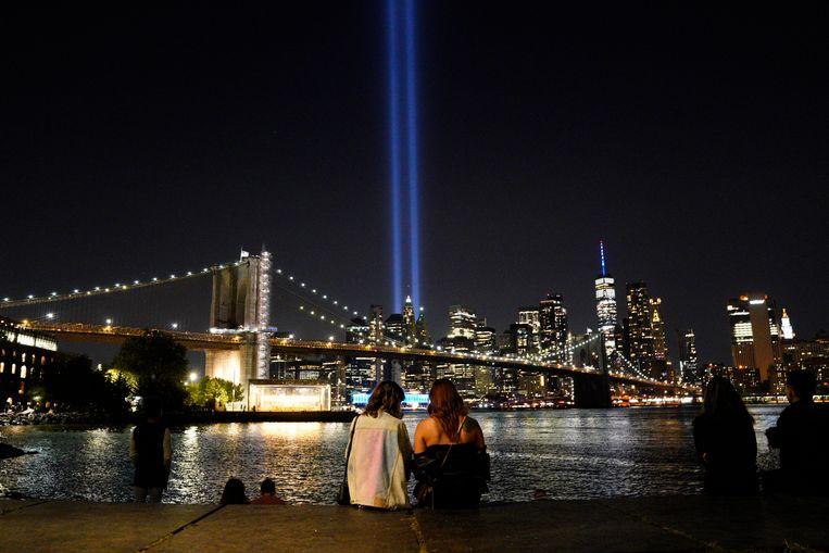 Twintig jaar na 9/11 herdenken New Yorkers de aanslag.  Beeld EPA