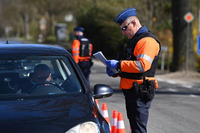 Tijdens een controle van de federale wegpolitie is afgelopen zaterdag een jonge Fransman tegen de lamp gelopen met 504 cannabisplanten.