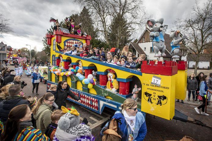De coronamaatregelen zijn er de reden van dat de carnavalsverenigingen in Losser hebben besloten om het komende seizoen af te zien van de traditionele opkomsten van hoogheden.