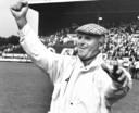 1987: Sparta-trainer Barry Hughes is blij na een zege op Ajax.
