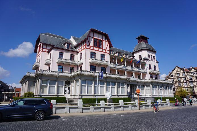 Het gemeentehuis van De Haan krijgt een grondige renovatie