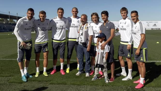 Door cameravrouw getackelde vluchtelingen ontmoeten Ronaldo en co