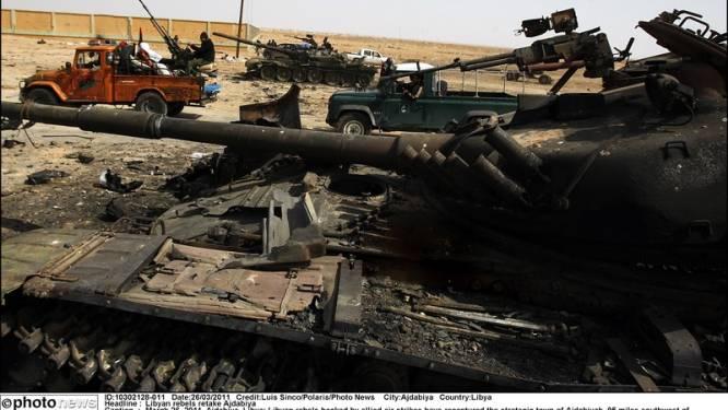 Les rebelles libyens ne reculent pas