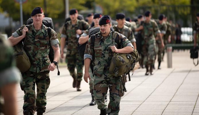 Nederlandse militairen op de Bahama's.