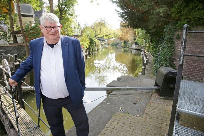 Dick de Jong van museum De Koperen Knop.