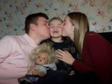 Wesley en Lize zamelen geld in voor ongeneeslijk zieke Evi (6): 'Genieten zolang het nog kan'